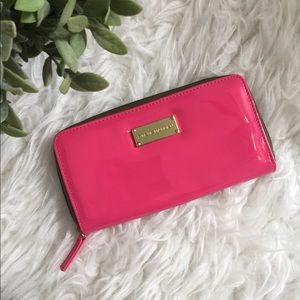 Steve Madden neon pink wallet with gold details